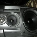 What are mid range speakers